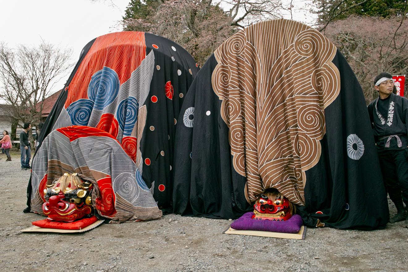 牛牧神社の屋台獅子と大島山瑠璃寺の屋台獅子