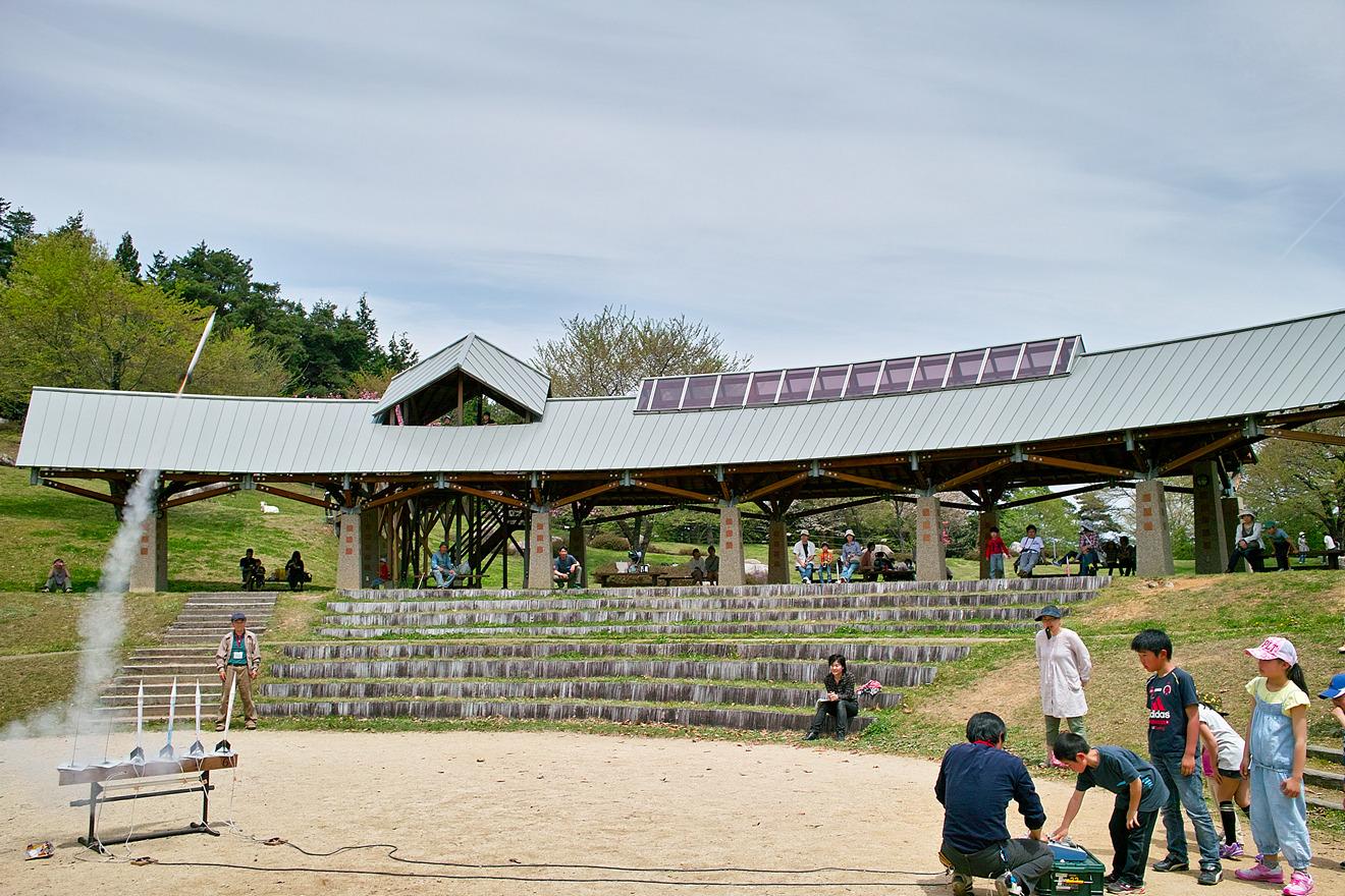 2012年4月29日長野県飯田市「かざこし子どもの森公園モデルロケットを作って打ち上げよう」