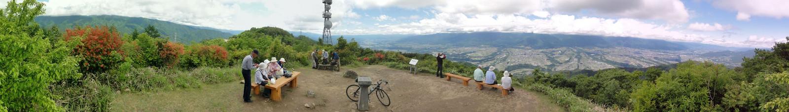 陣馬形山山頂(2015年6月6日)