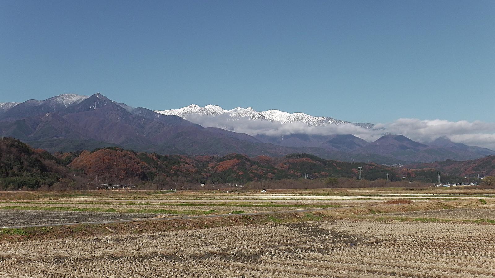 中川村渡場から南駒ヶ岳を望む