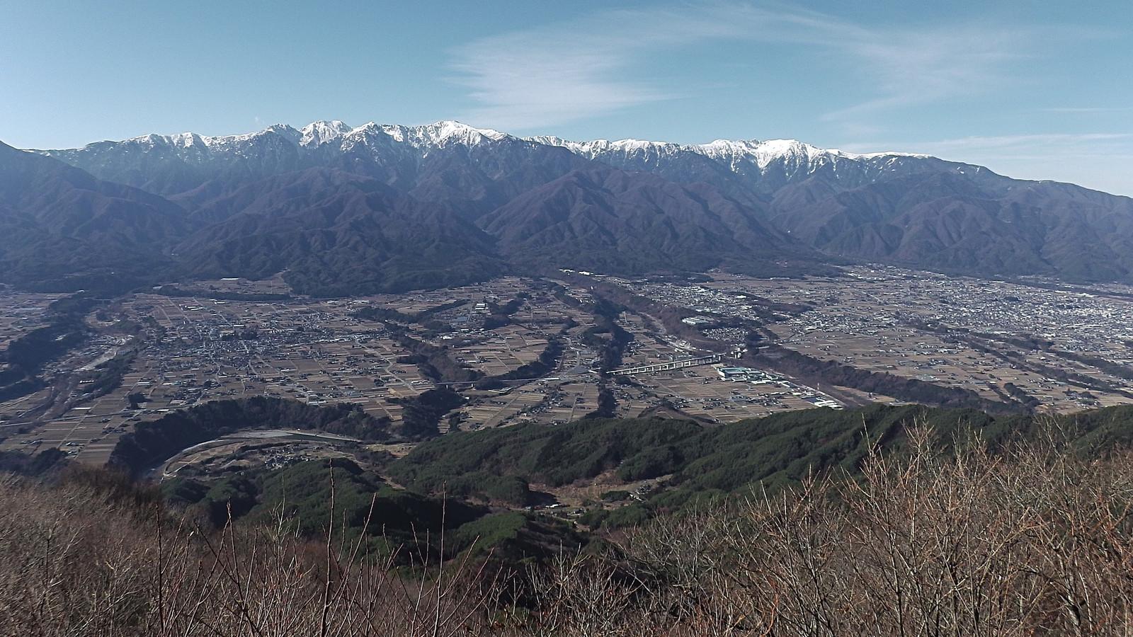 陣馬形山から中央アルプスを望む(2017年12月2日)